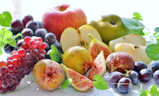 果物がいっぱい並んだ画像